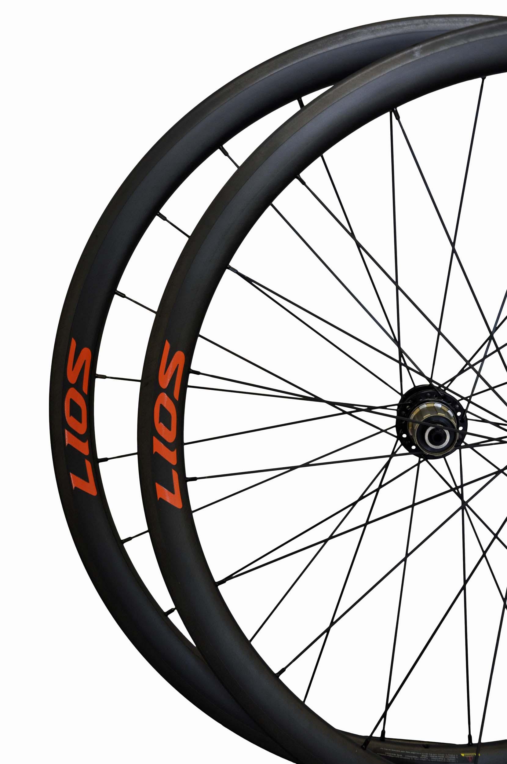lios-wheel-c36-orange-logo-image4.jpg