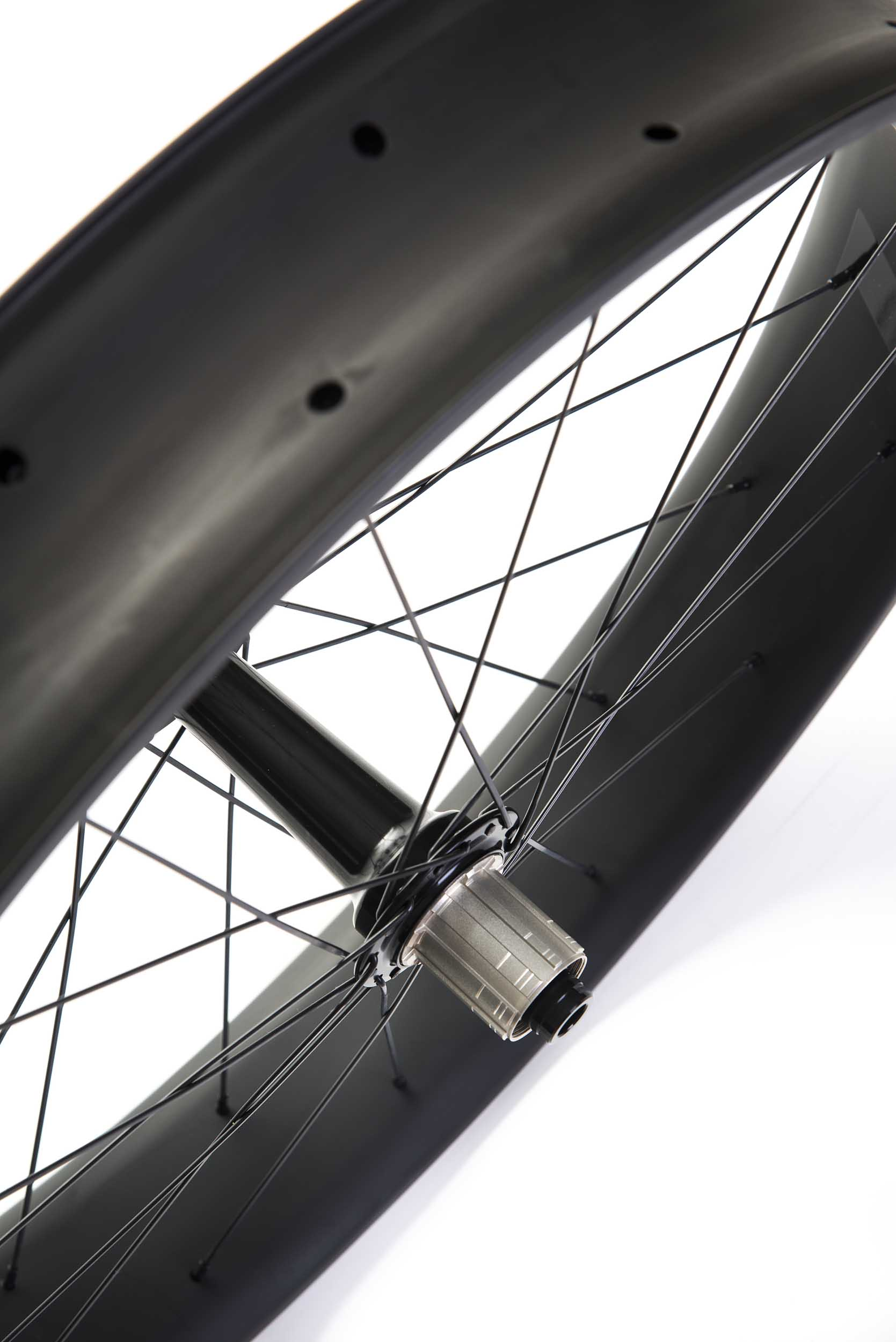 lios-carbon-fatbike-wheelset-black-image-6.jpg