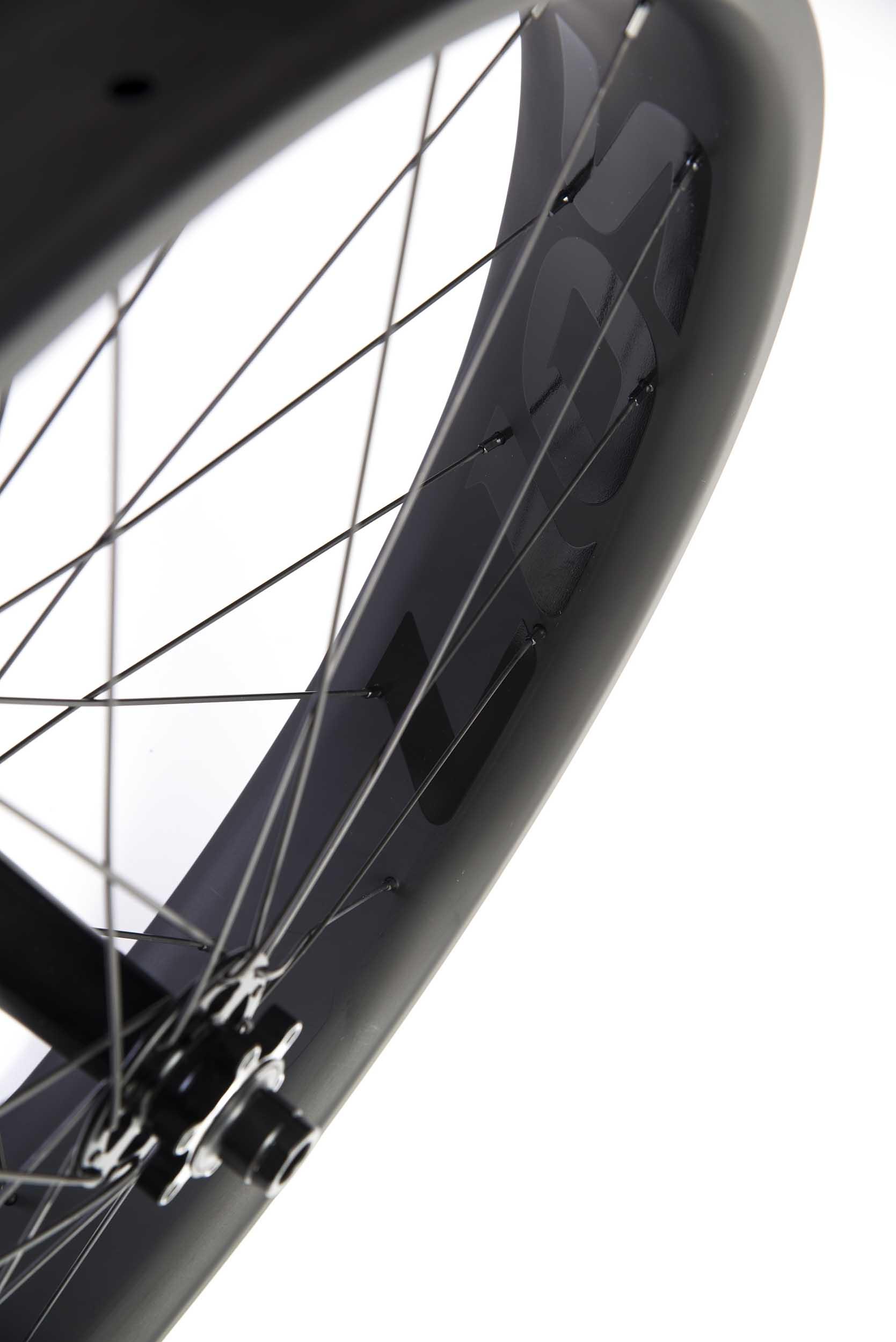 lios-carbon-fatbike-wheelset-black-image-5.jpg