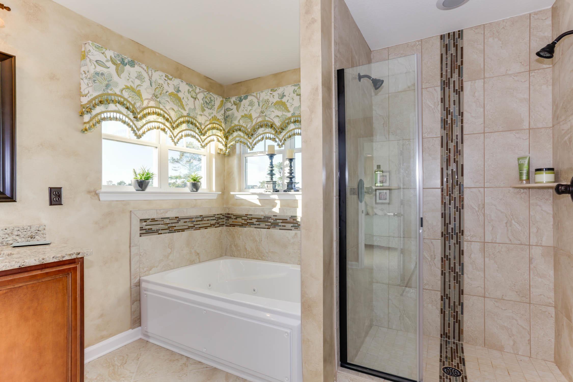 Master_Bathroom_1.jpg