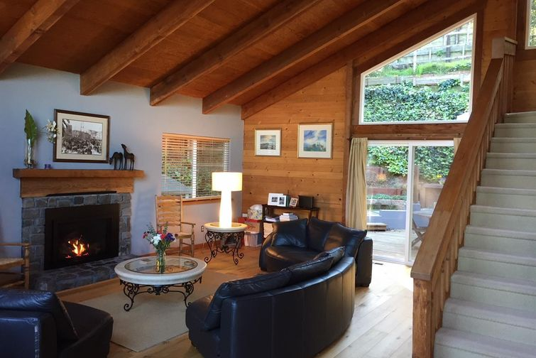 SOLD - 706 Bay Road, Mill Valley, CA3 bed/2 bath, 1812 sf$1,440,000Represented BuyersShowed off market prior to list, multiple offers