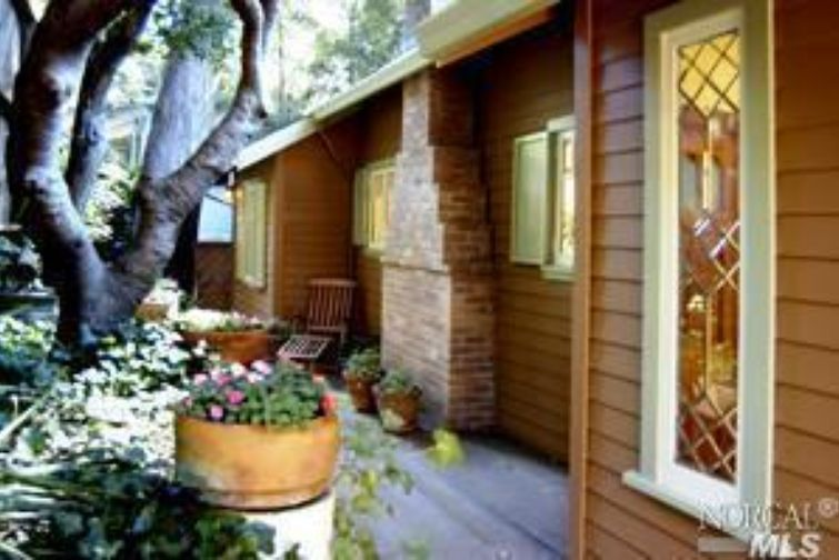 SOLD - 210 Glen Dr, Sausalito, CA2 bed/ 1 bath, 915 sf$631, 000Represented BuyersShort Sale