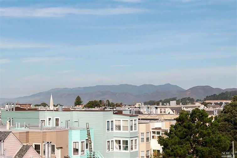 SOLD - 795 8th Ave, San Francisco, CA2 bed/ 1 bath, 836 sf$700,000Sold twice: represented Buyers and then Sellers years later