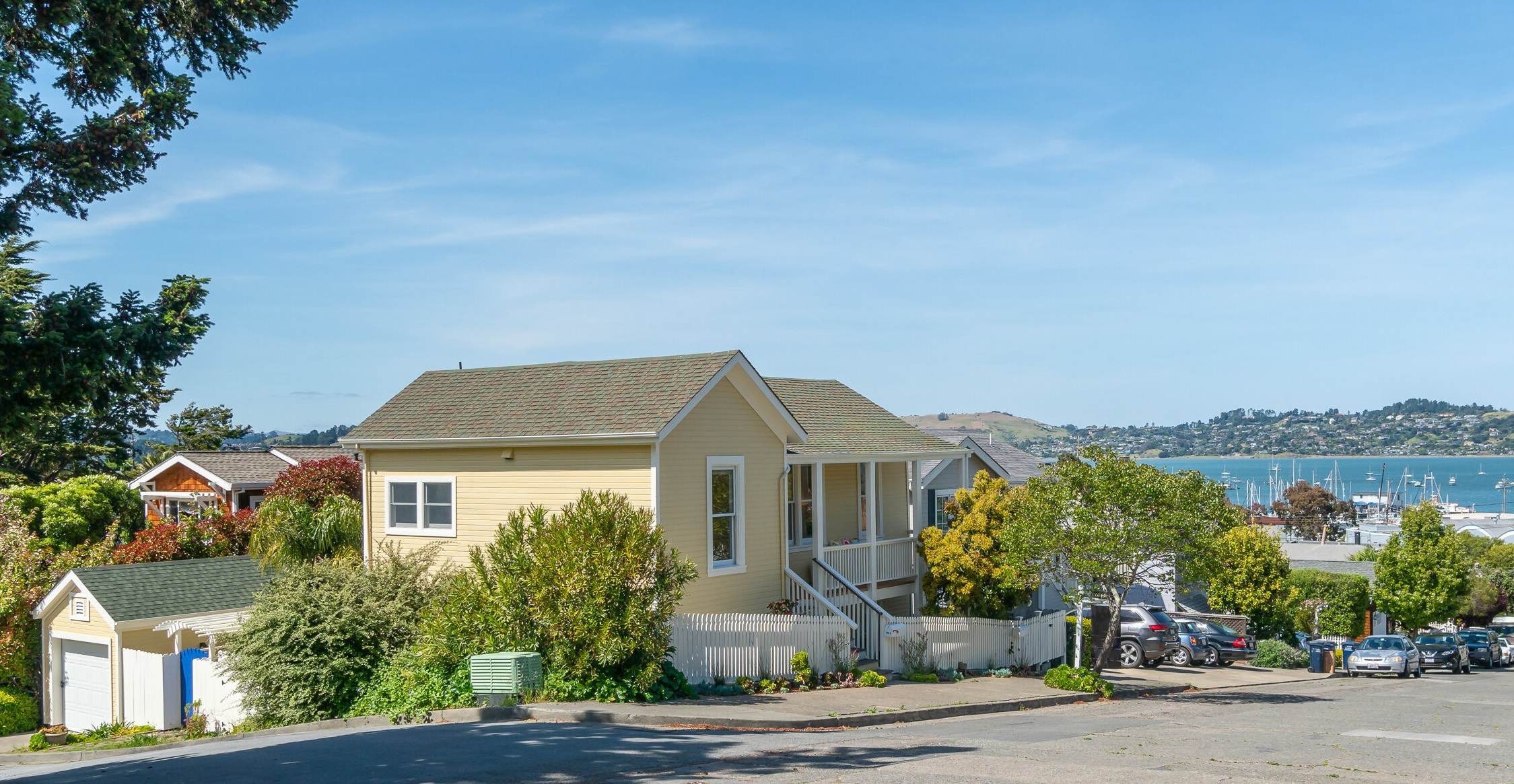 SOLD - 540 Easterby St, Sausalito ( Duplex)4 bed/ 2 bath, 1875 sf$1, 620,000Represented SellersMultiple offers, 14 day close, cash sale, $225,000 over asking