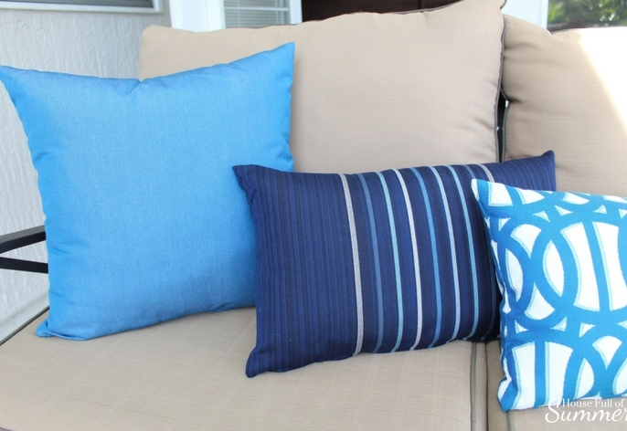 Custom Outdoor Pillows by PatioLane | House Full of Summer outdoor living, patio decor, coastal patio style, lanai, spring patio updates, custom cushion builder, tropical style, florida living, florida backyard design, enclosed pool and patio, navy and white patio. porch decor, palms,