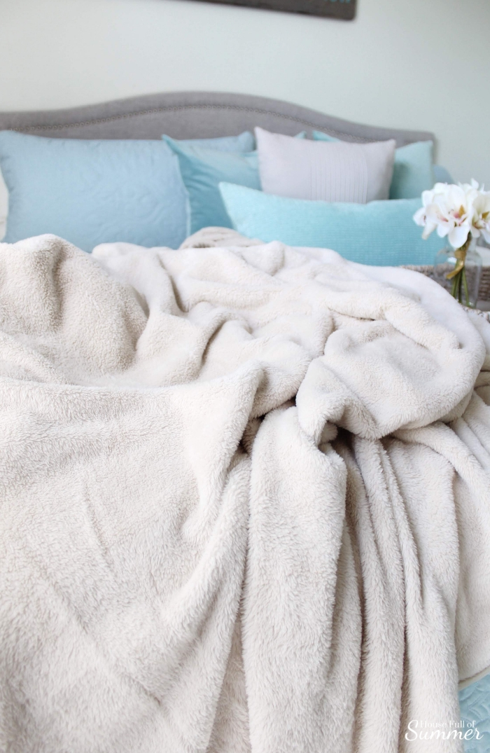 How I'm Getting Cozy This Season for Under $150! | House Full of Summer blog, fall styling ideas, comfy fall décor, cozy home interior, cozy outfits for fall weekends, Thanksgiving outfit, pumpkin spice everything, white interior, neutral fall décor, blankets and throws, preparing for holiday guests, living room decor, coffee mug, bedding #christmastreeshopandthat #andthatfunfinds #ad