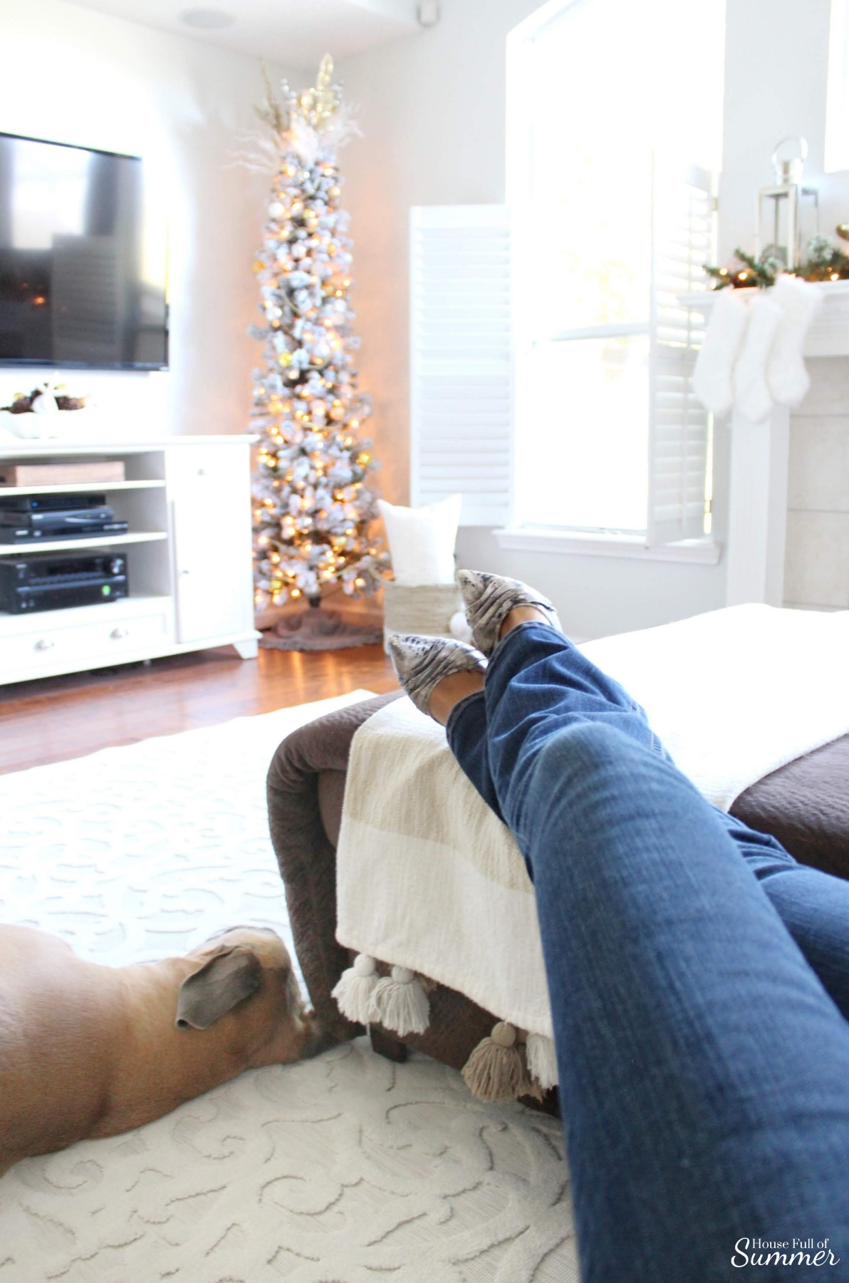 A Charming Southern Christmas Home Tour Part 2 House Full Of Summer Coastal Home Lifestyle