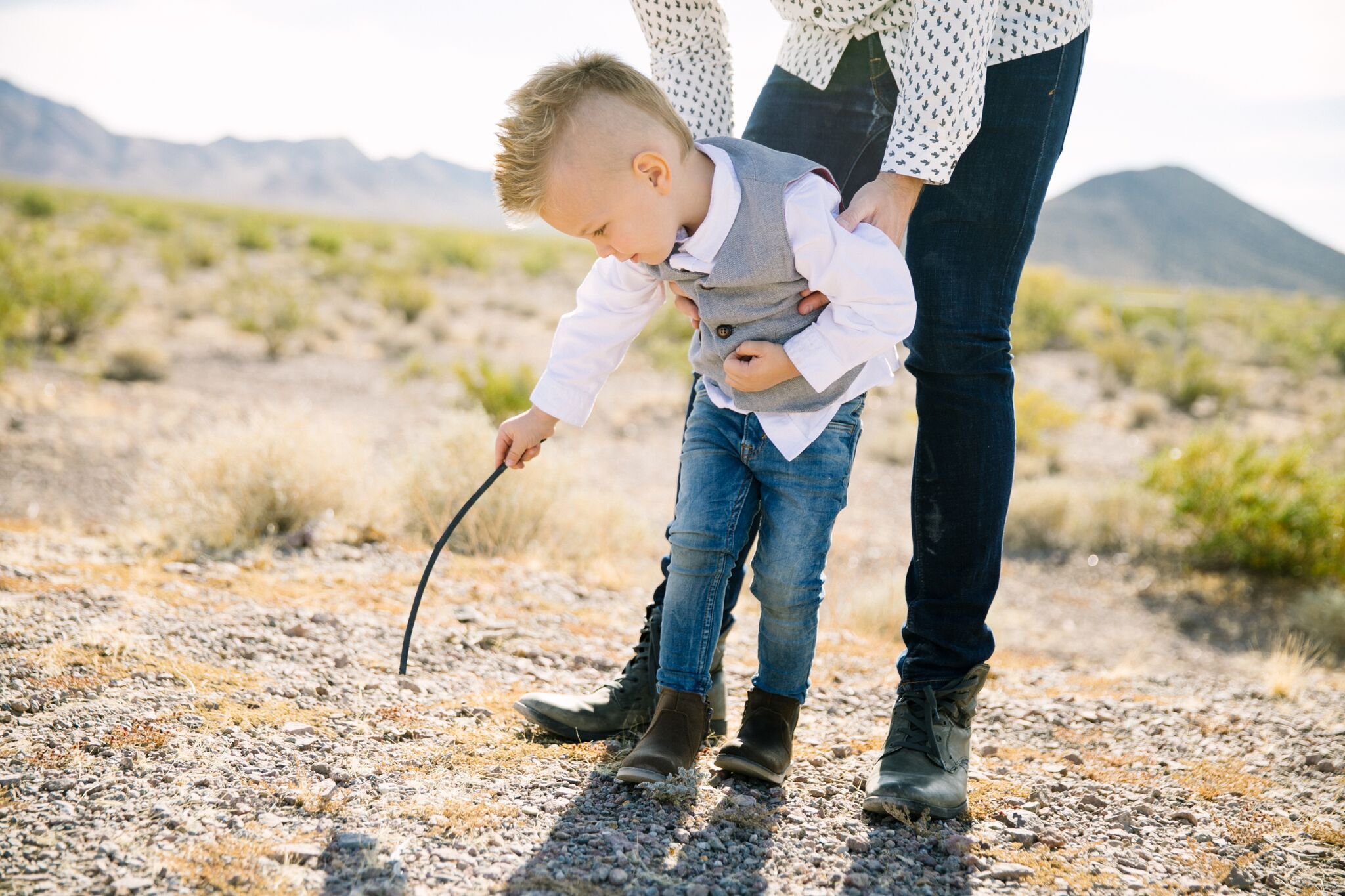 Family Picture Ideas by Las Vegas lifestyle bloggers Life of a Sister