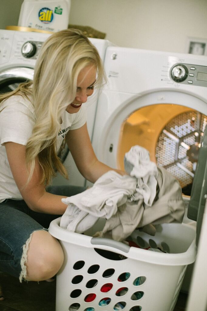Laundry Routine by popular Las Vegas lifestyle bloggers, Life of a Sister