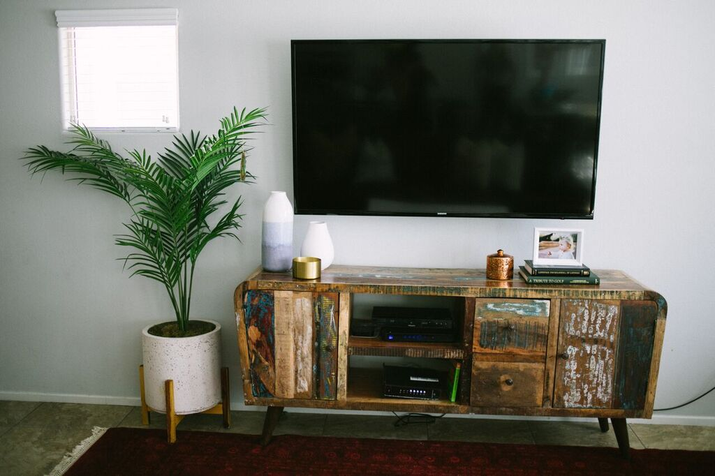 Living Room Update featured y popular Las Vegas style bloggers, Life of A Sister