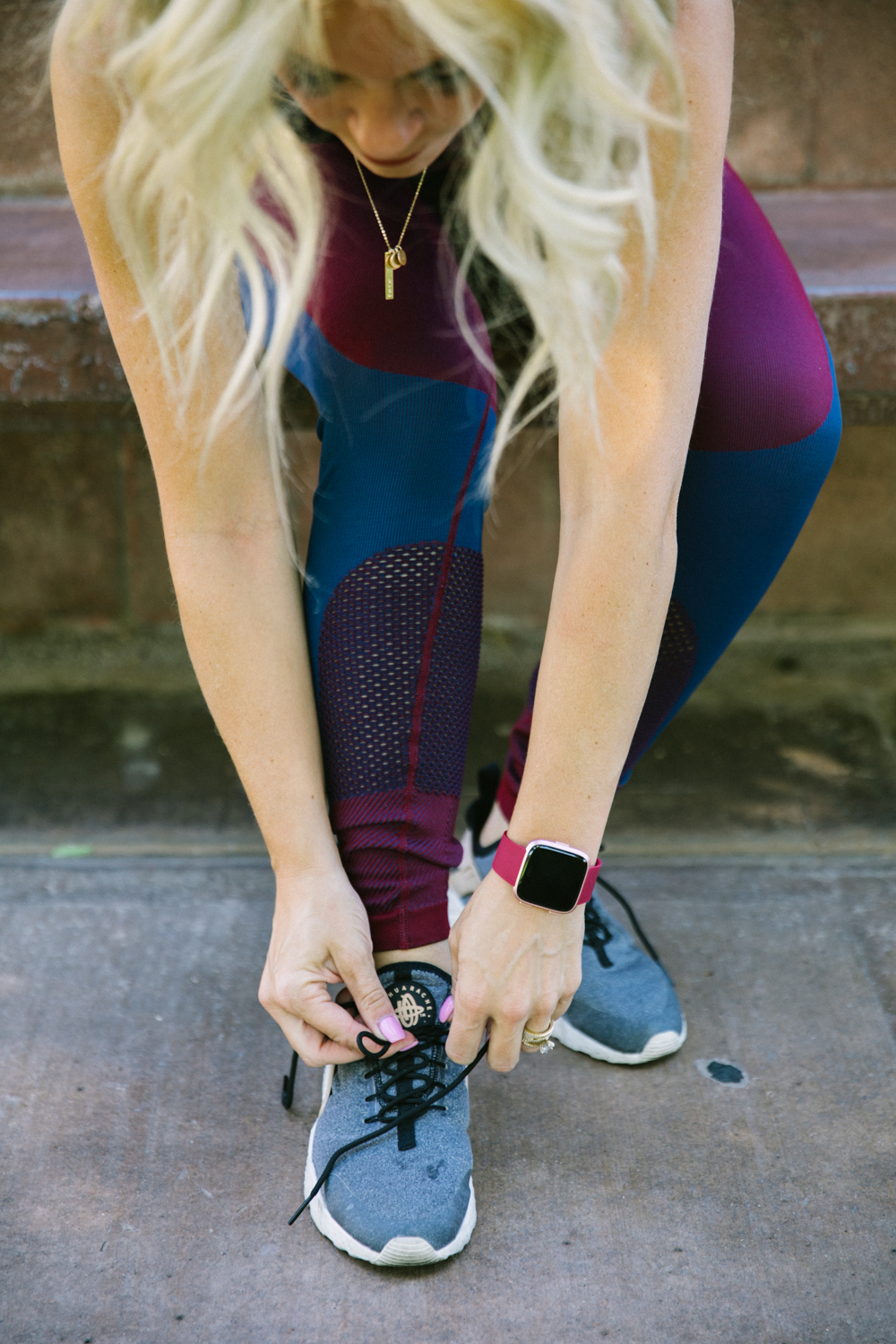 How to stay Fit with FitBit Versa by popular Las Vegas lifestyle blog, Life of a Sister