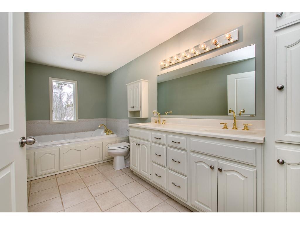 Retreat bathroom 2