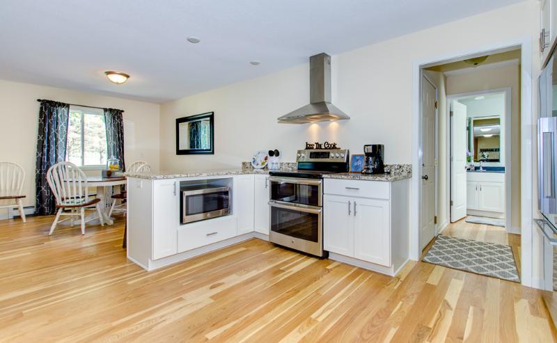 CC Kitchen Dinette backhall.jpg