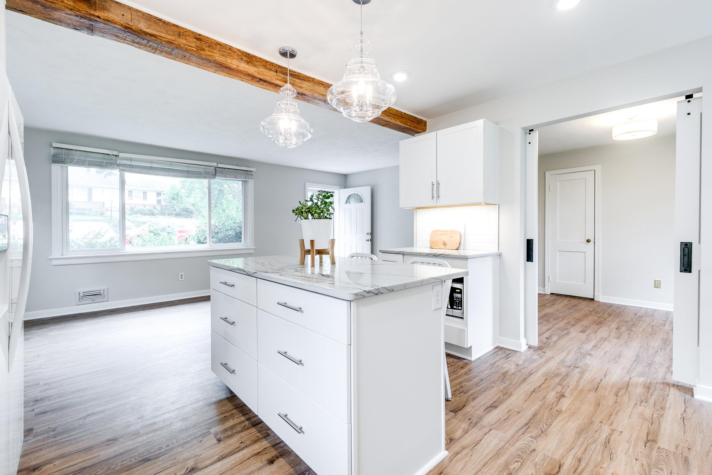 1406 Coronet Drive Kitchen (16 of 40).jpg