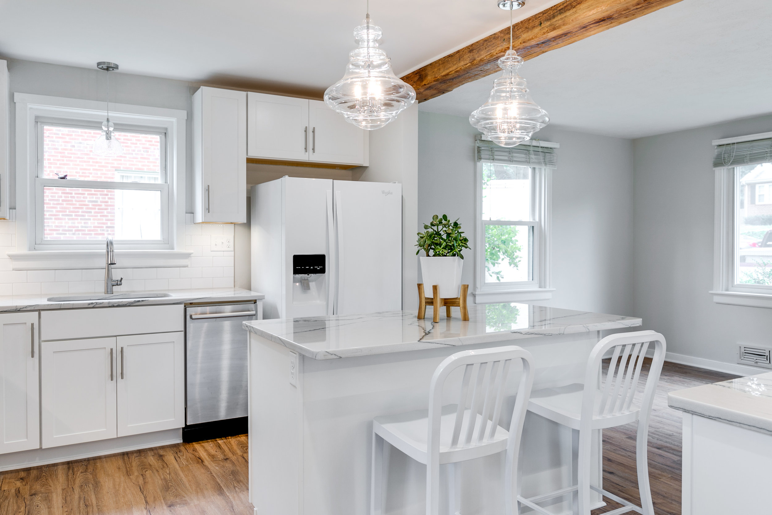 1406 Coronet Drive Kitchen (21 of 40).jpg