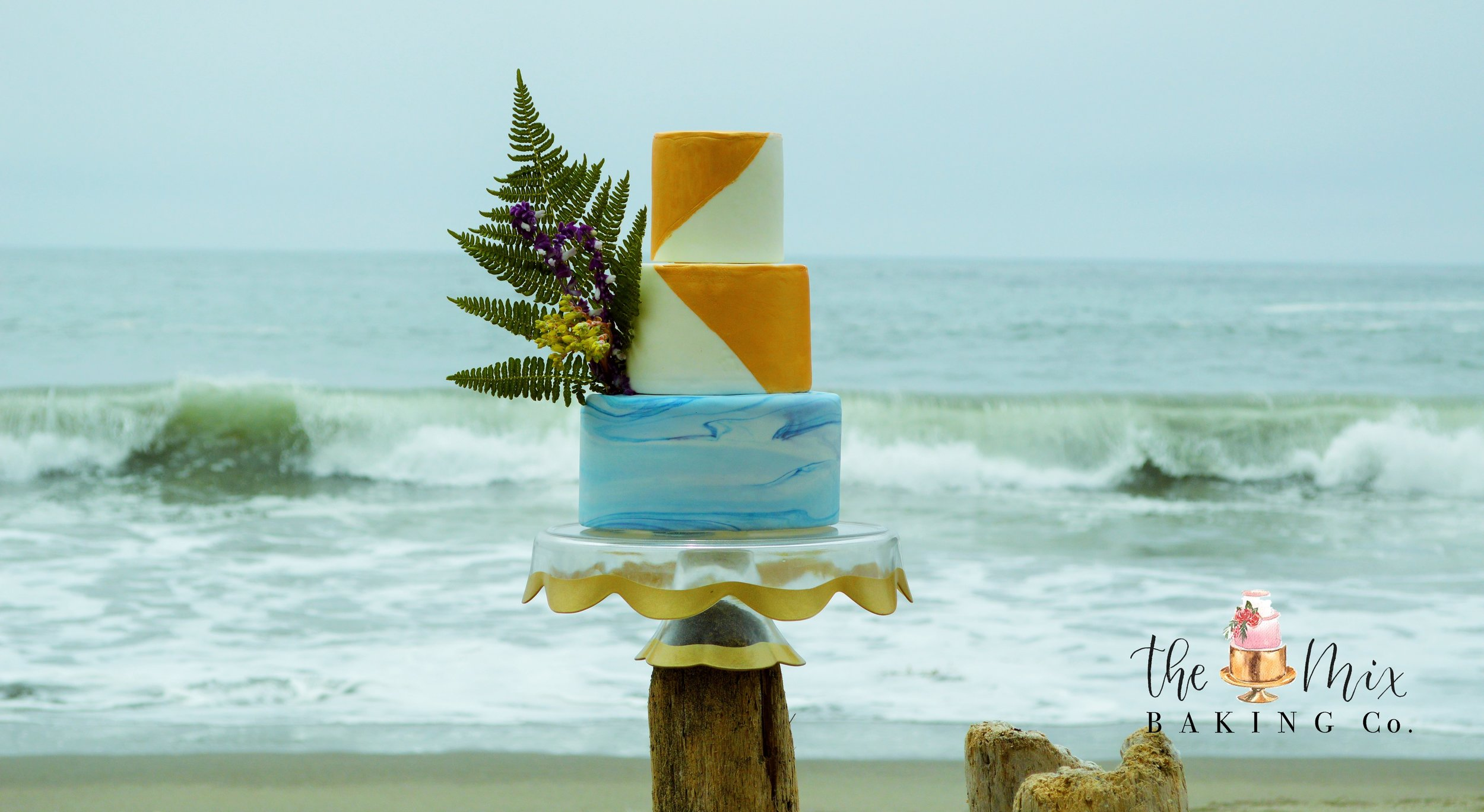 Modern Beach Wedding Cake