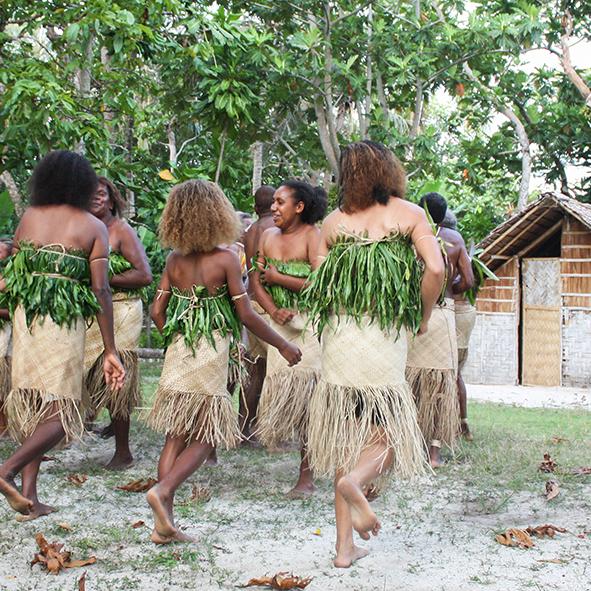 womens_kastom_dance.jpg