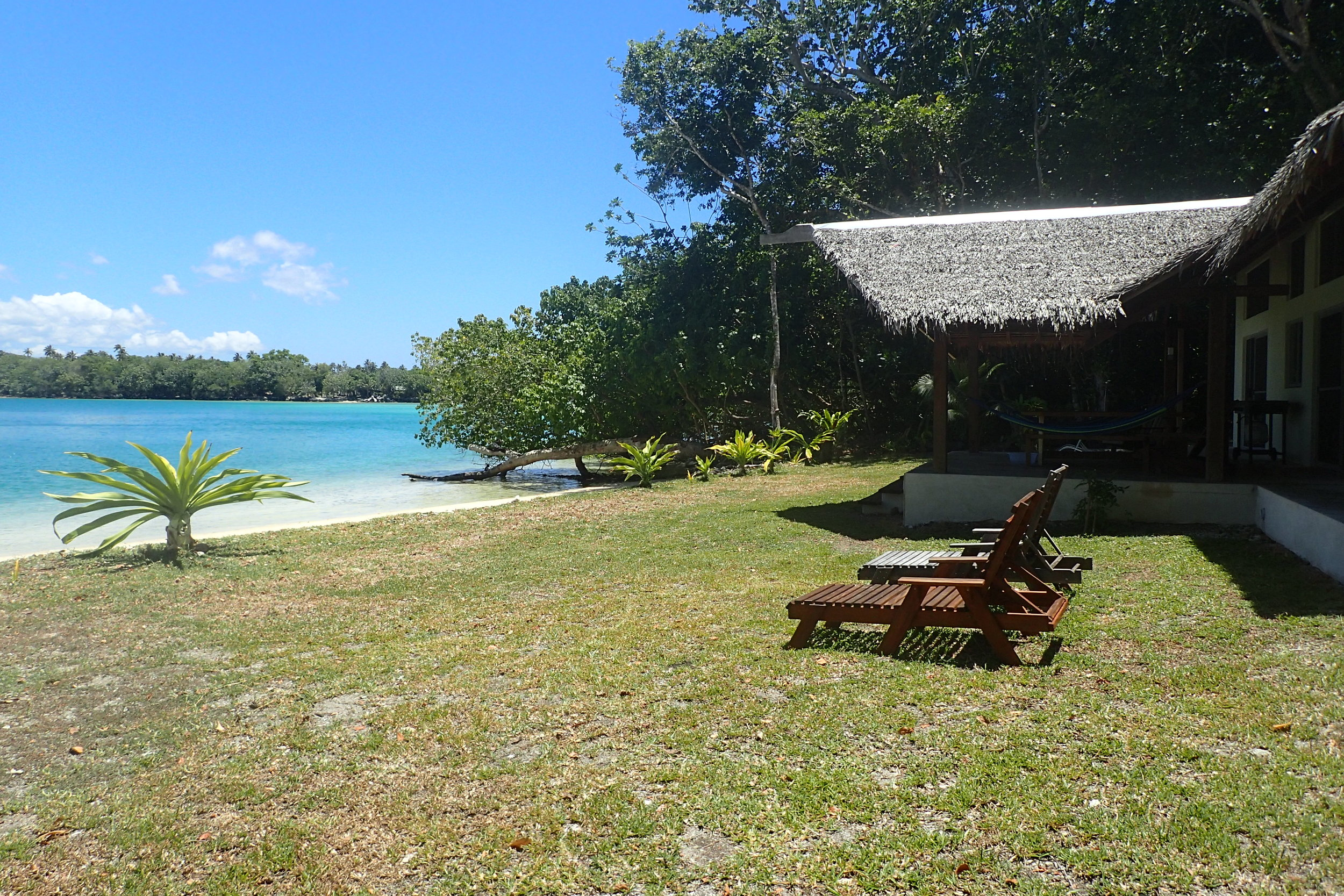 Malvanua beach front.JPG