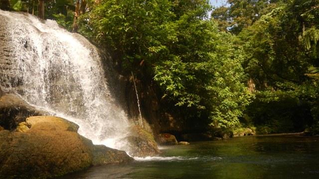 Tapuntari Waterfall.jpg