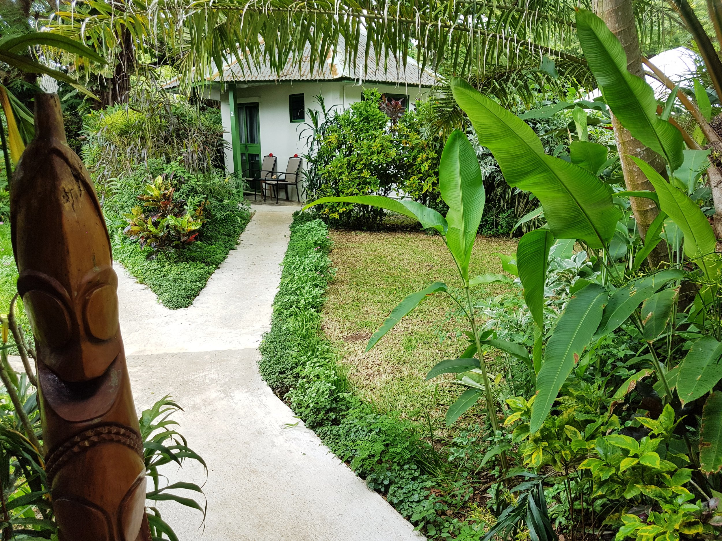 bungalow path.jpg