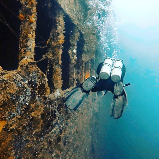 When was the last time you did something for the first time? 💦 📷@kali_jbay . . . . #DiscoverSanto #DiscoverVanuatu #Vanuatu #divestagram #EspirituSanto #diverslife #wreckdiving #sspresidentcoolidge #worldclass #exploremore #divein #diversparadise #wwii #adventurephotography #southpacificislands #igdaily #instadaily #pacificparadise #pacificocean🌊