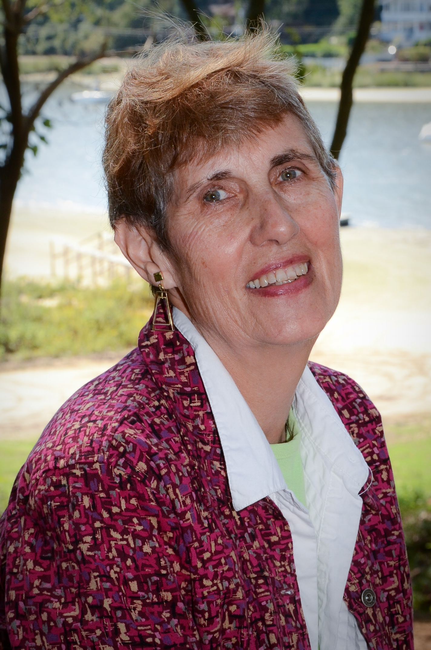 cami thompson, co-founder and upper elementary teacher    years at lol:  all of them   experience:  AMS Elementary 6-12 credential from cmte/ny, ams elementary 6-9 credential from cmte/ny, ami 3-6 credential from wmi, transvaal teachers' higher diploma from johannesburg college of education, ba in history and ba honors in literacy from university of the witwatersrand   When did you start teaching?  I started way back when the world was new I tell the kids iVe been at it for 167 years.   what is you favorite part?  I love to see the kid who finally gets it.