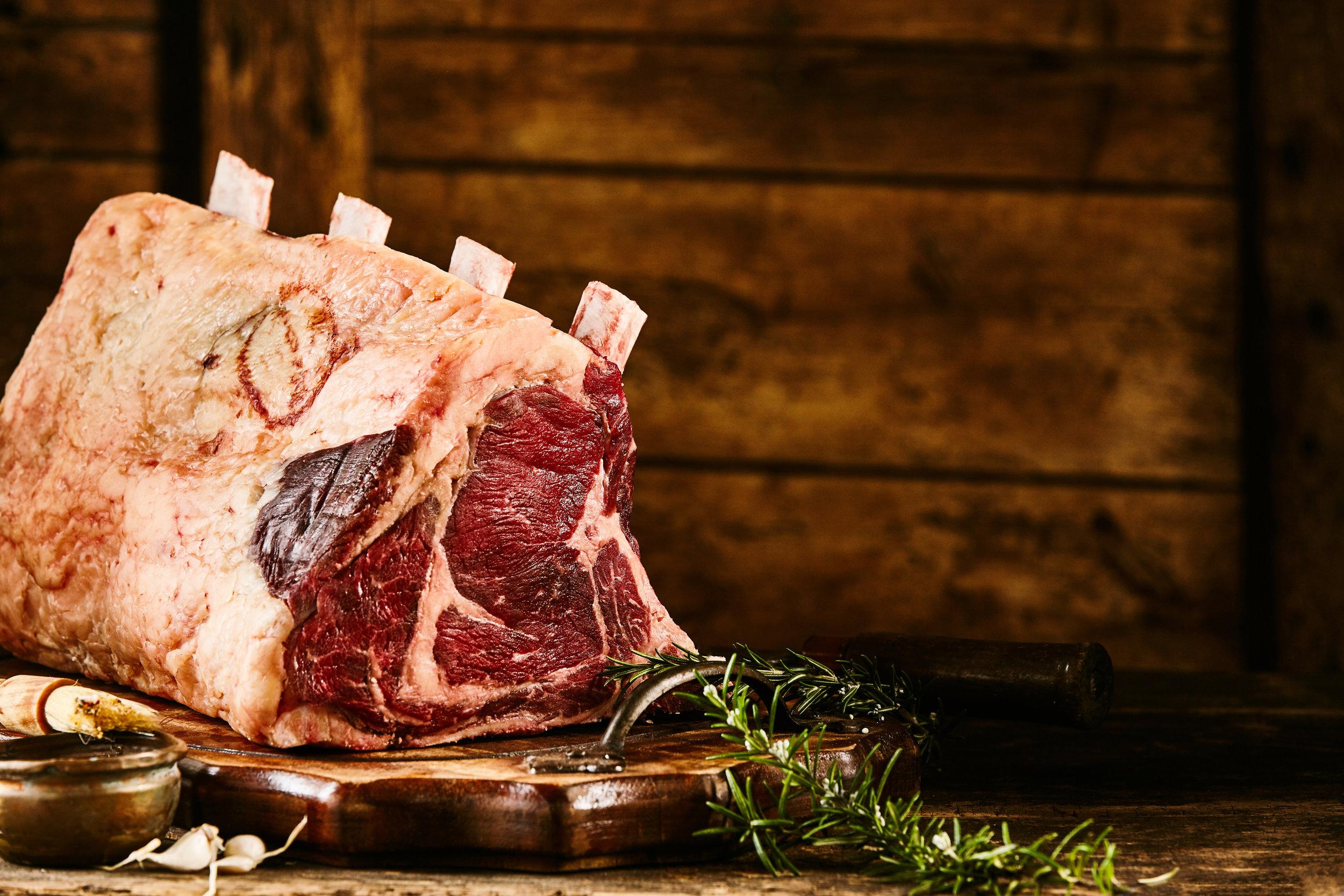 Les viandes sont des meilleures origines   Toutes issues de races à viande et sélectionnées avec attention. La race Limousine pour la viande de Boeuf a été choisie pour ses qualités gustatives et sa propension à être bien persillée, gage de saveur.