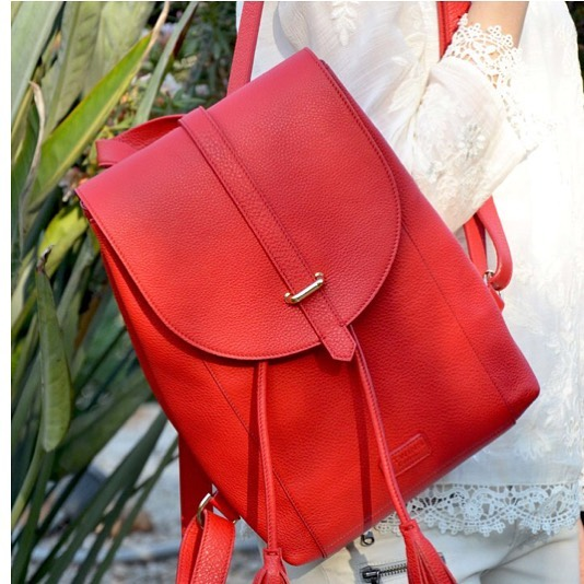 Do you love red as we love it? . . Statistics show that men are more attracted to women who wear red. Unconsciously this color is associated with love and passion. So ladies, you should definitely wear more red 😍😀 . . . #ttwinnlondon #ttwinnbags #leatherbags #leather #londonbags #shopping #bagsforsale #bagsaddict #bagshopping #bagslover