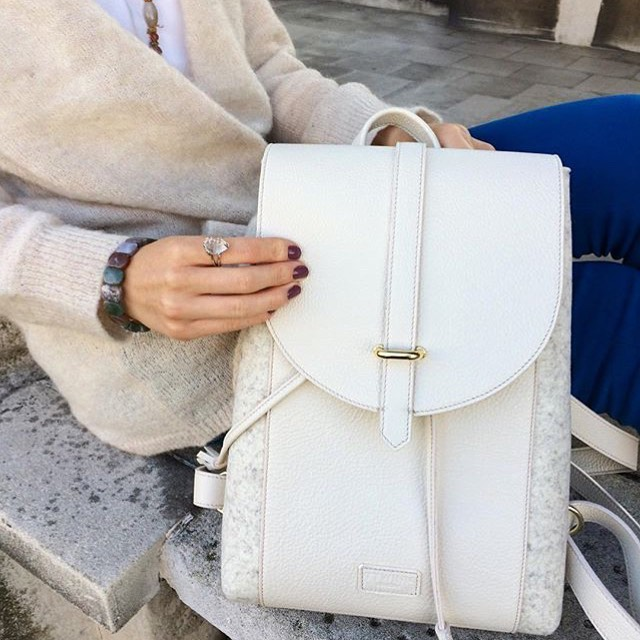 Would you wear this white chic #backpack? . . #backpacks #ttwinnlondon #ttwinn #ttwinnbags #ttwinnbackpack #londonfashion #londonbags #london #instafashion #lovebags #bagslover #feltandleather #ttwinnstyle #stylegram #stylish #whitebackpack