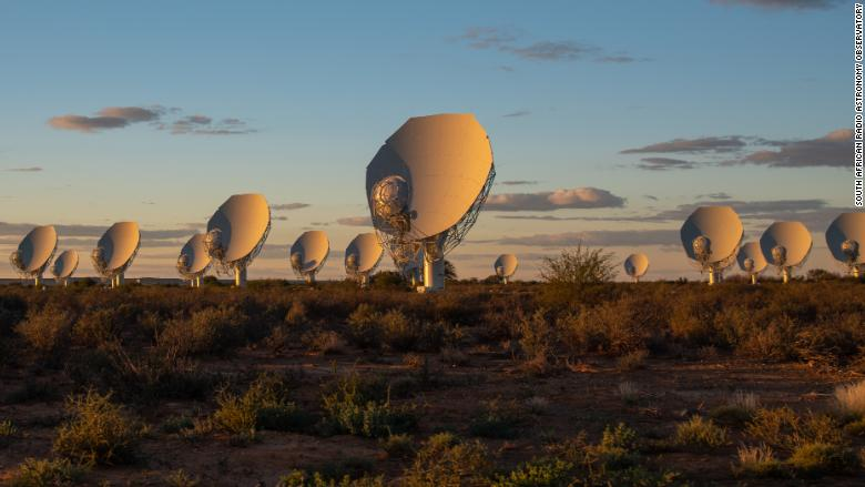 180806152620-south-africa-meerkat-telescope-1-780x439.jpg