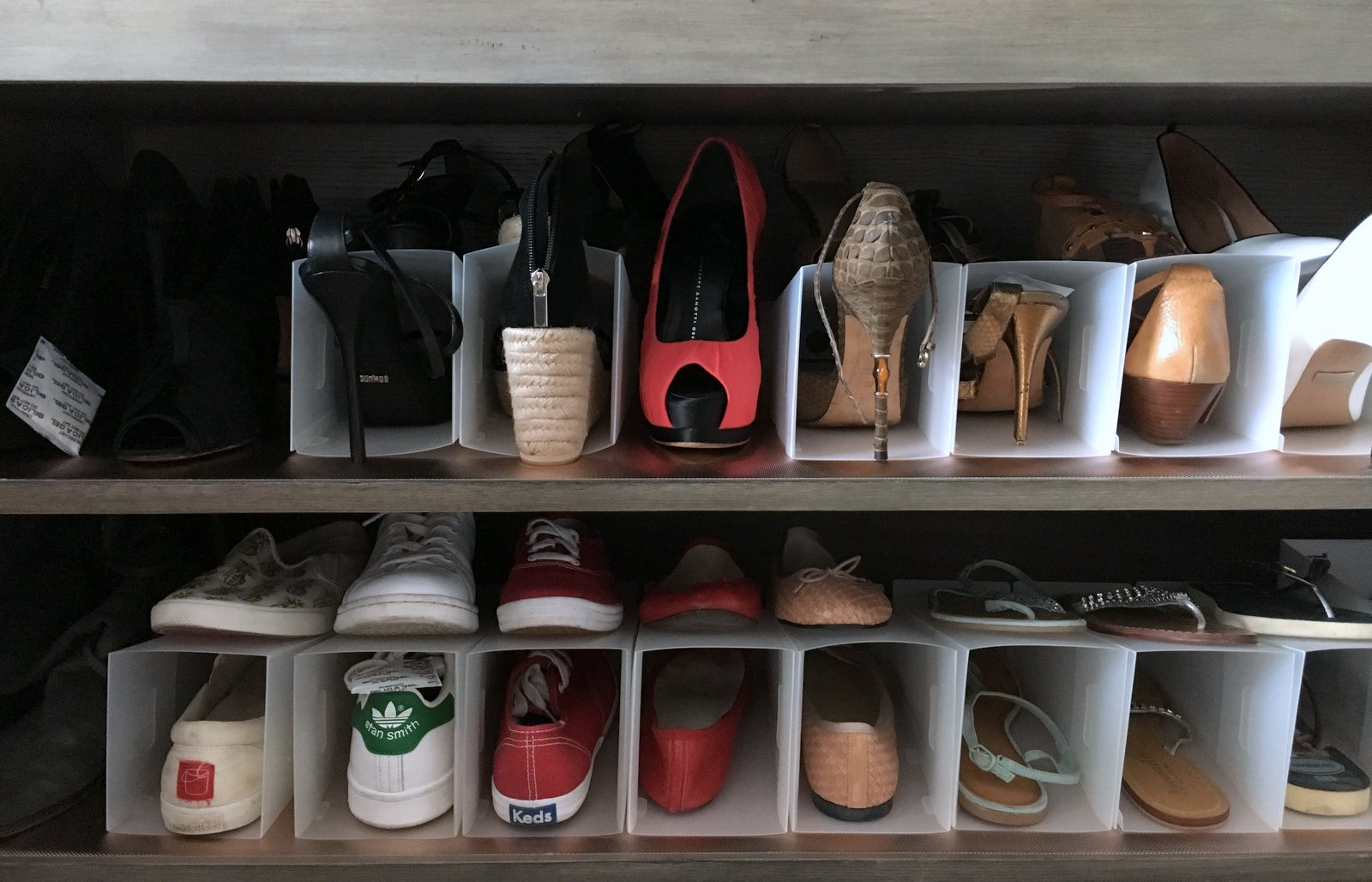 And then we found the shoe organizers from  MUJI . The best thing about them is that they are light, and can be stored flat when not in use.