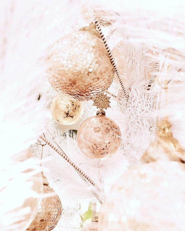 gold white christmas tree2.JPG