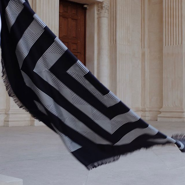 Weekend in AENĒIS | The Geometric mirage silk scarf is hand-fringed, designed in Paris and consciously made in Italy.  Available on our website | Photo by @gioiagiustino  #aeneisparis #ethicalfashion #parisianstyle #styleinspiration #parisianlifestyle