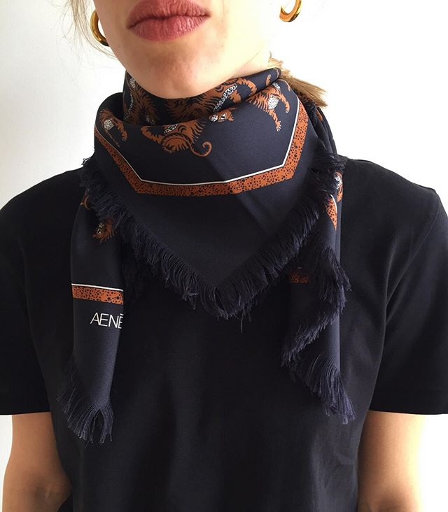 Friday eve | Wrap it up!  #silkscarf #aeneisparis #styleinspo #parisianstyle #絹のスカーフ #pfw