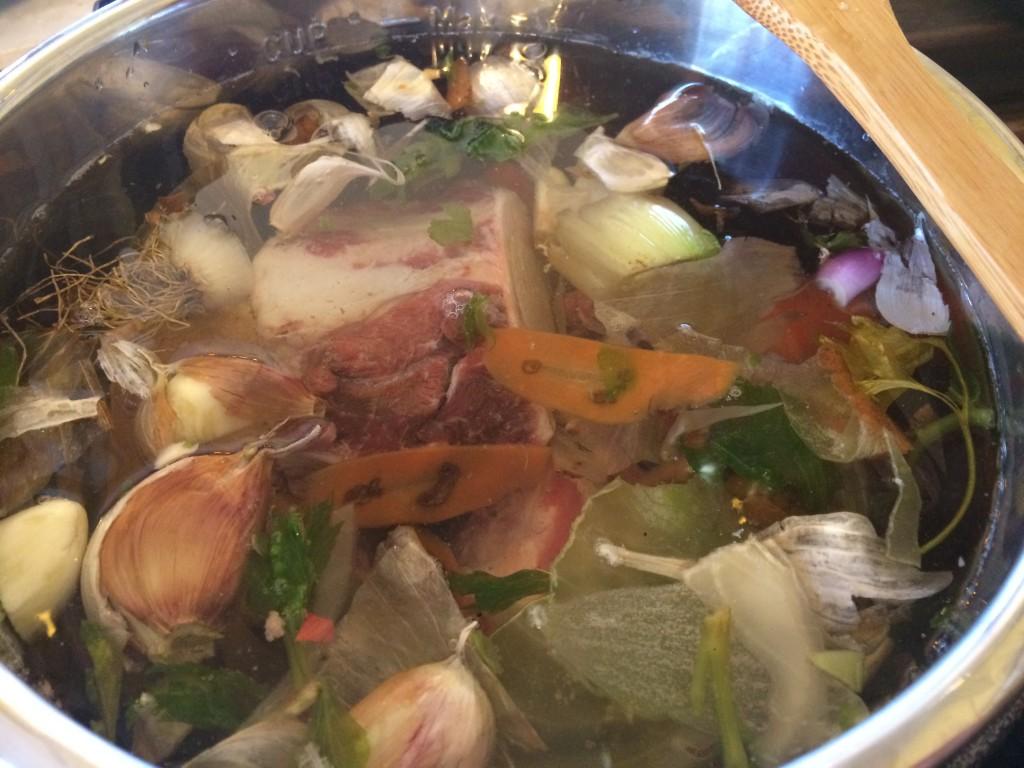 bone broth ready to boil