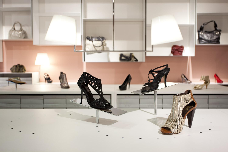 Vince Camuto Outlet Store Design 04.jpg
