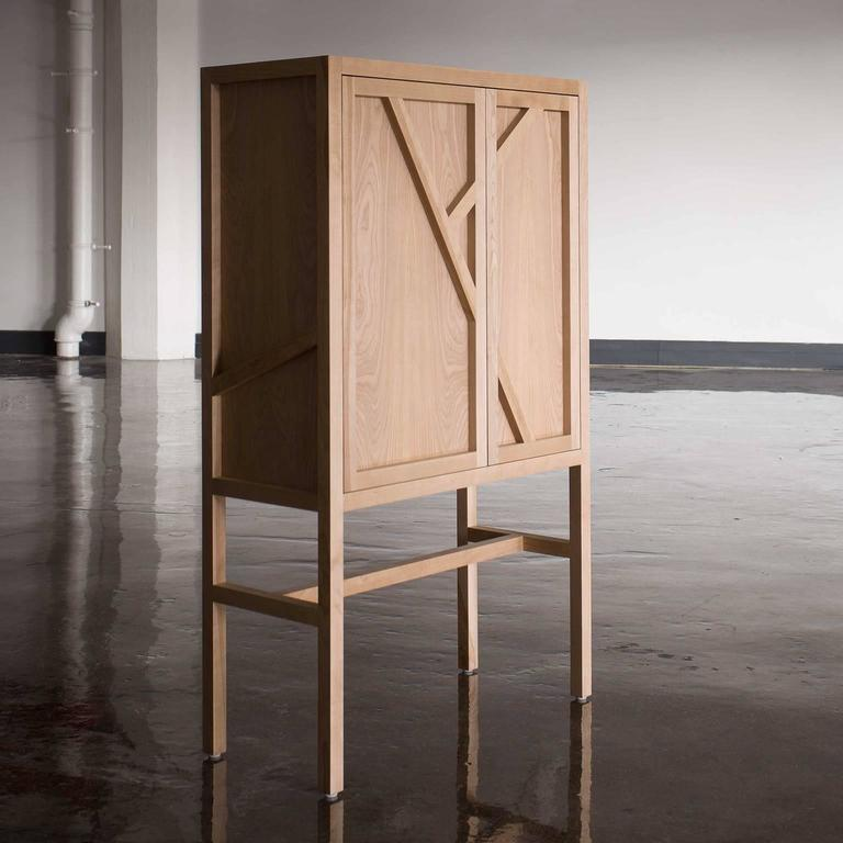 Lungo Bar Cabinet, Front, opened