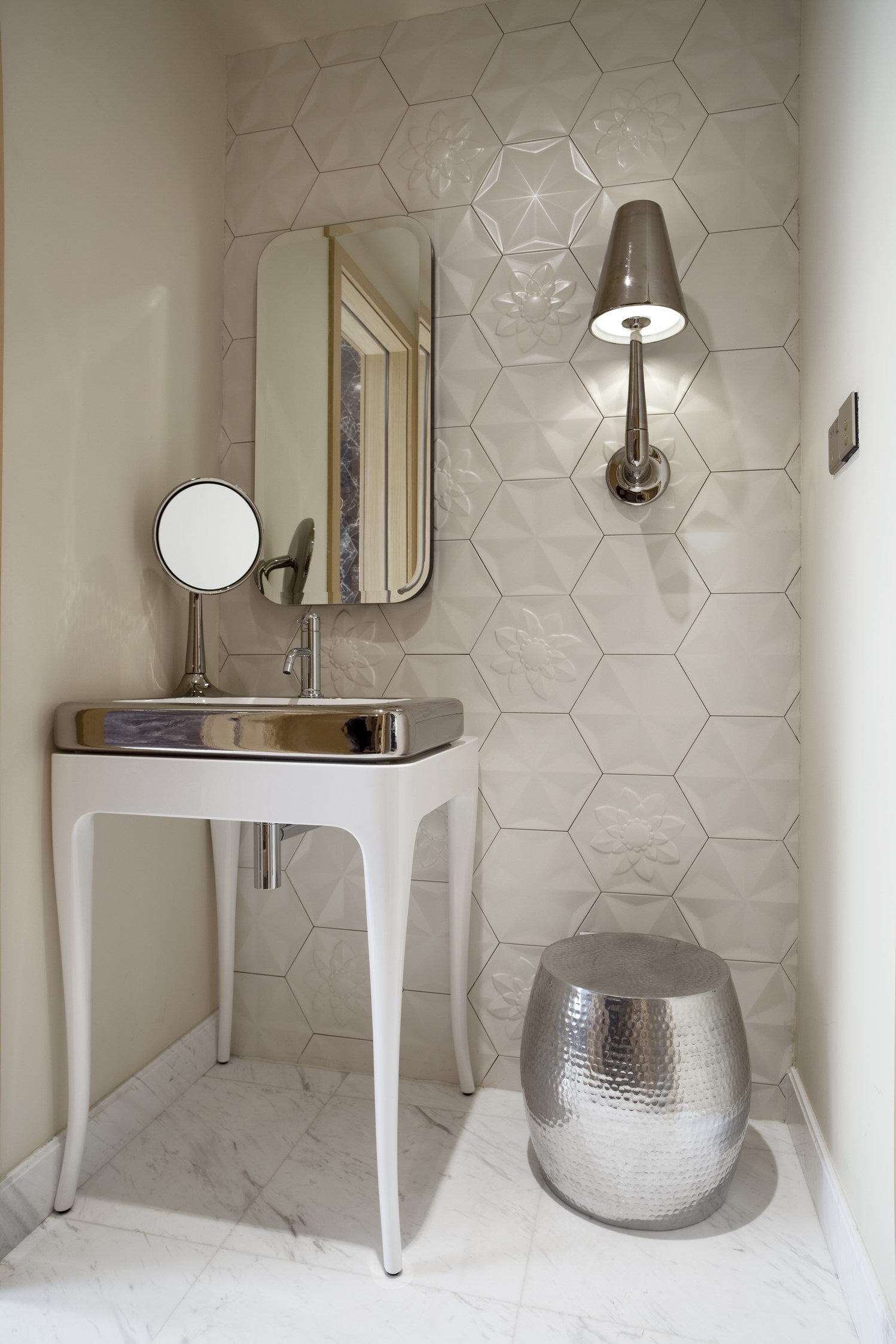 BATHROOM Bisazza platinum sink and black cabinet by Hayon for Bisazza