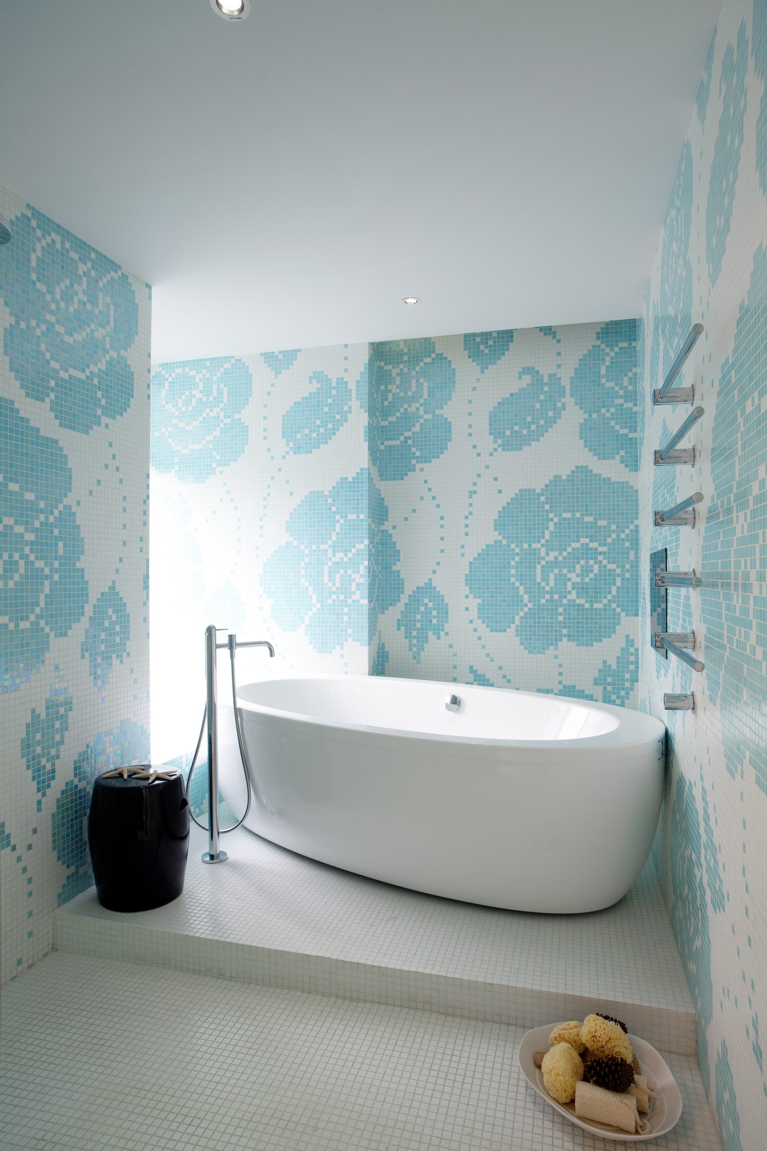 BATHROOM Bisazza mosaic tiles and Laufen bathtub