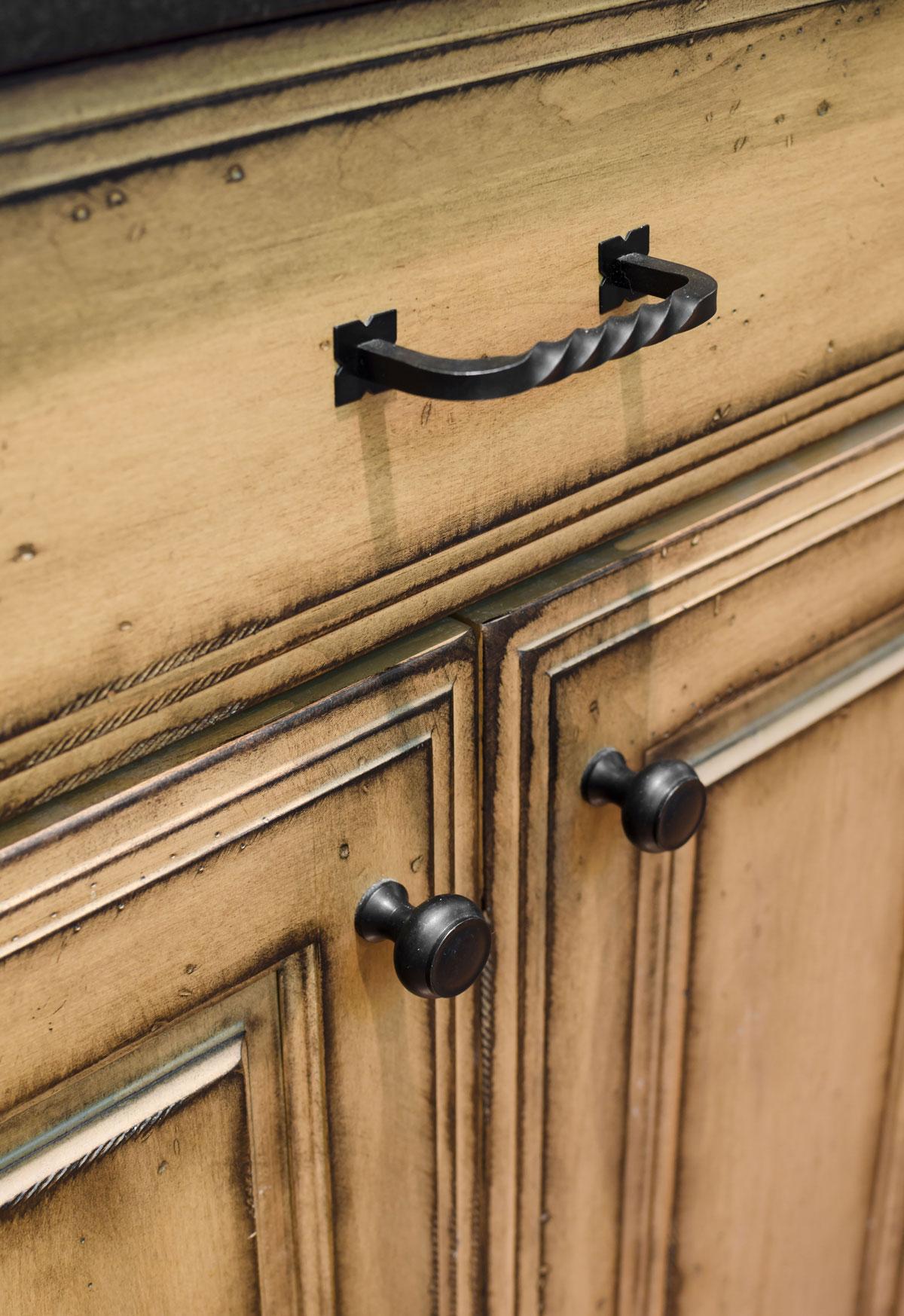 Duxbury, MA custom kitchen cabinets