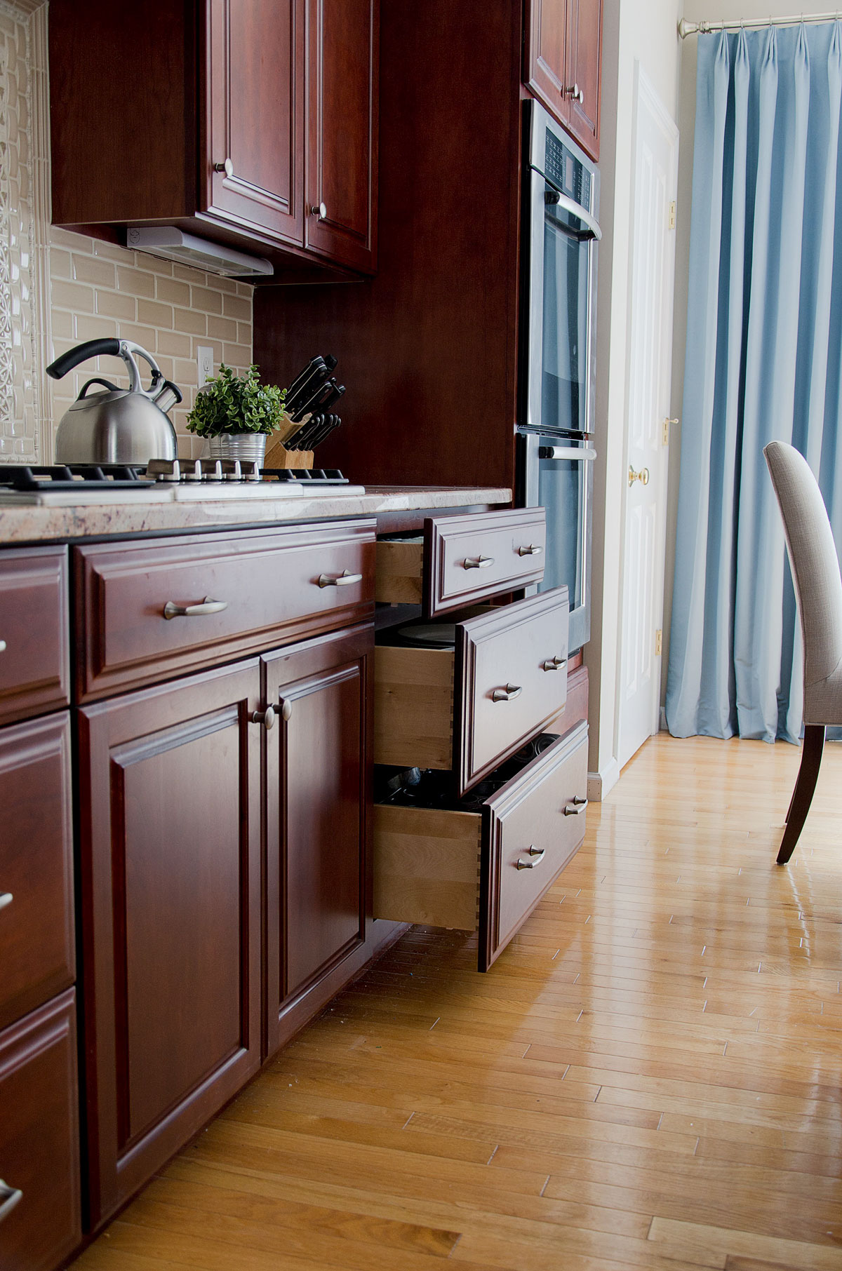 Plymouth MA kitchen interior design by Susan Curtis Interiors