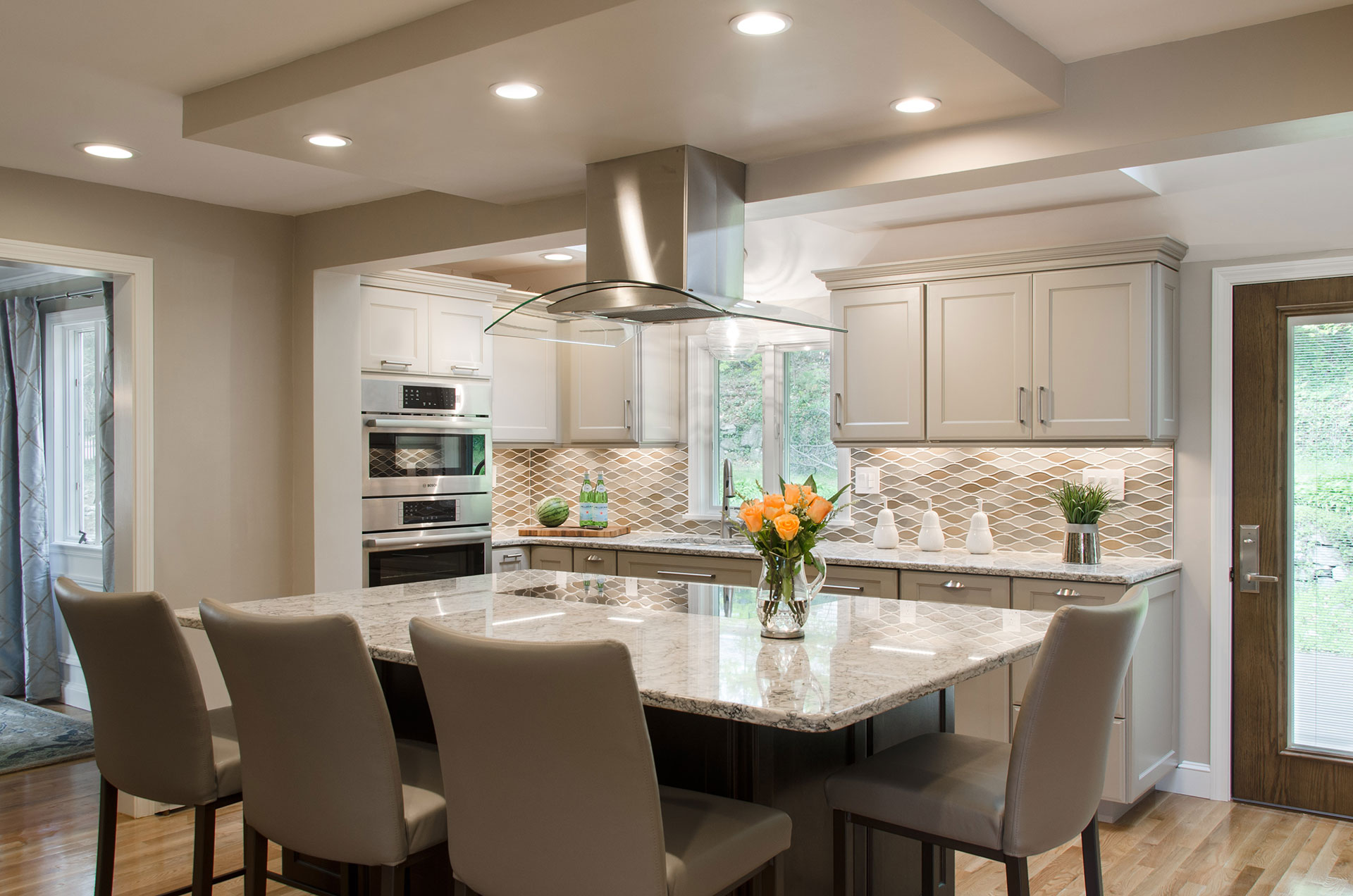 Kitchen interior by Susan Curtis Interiors, Braintree, MA