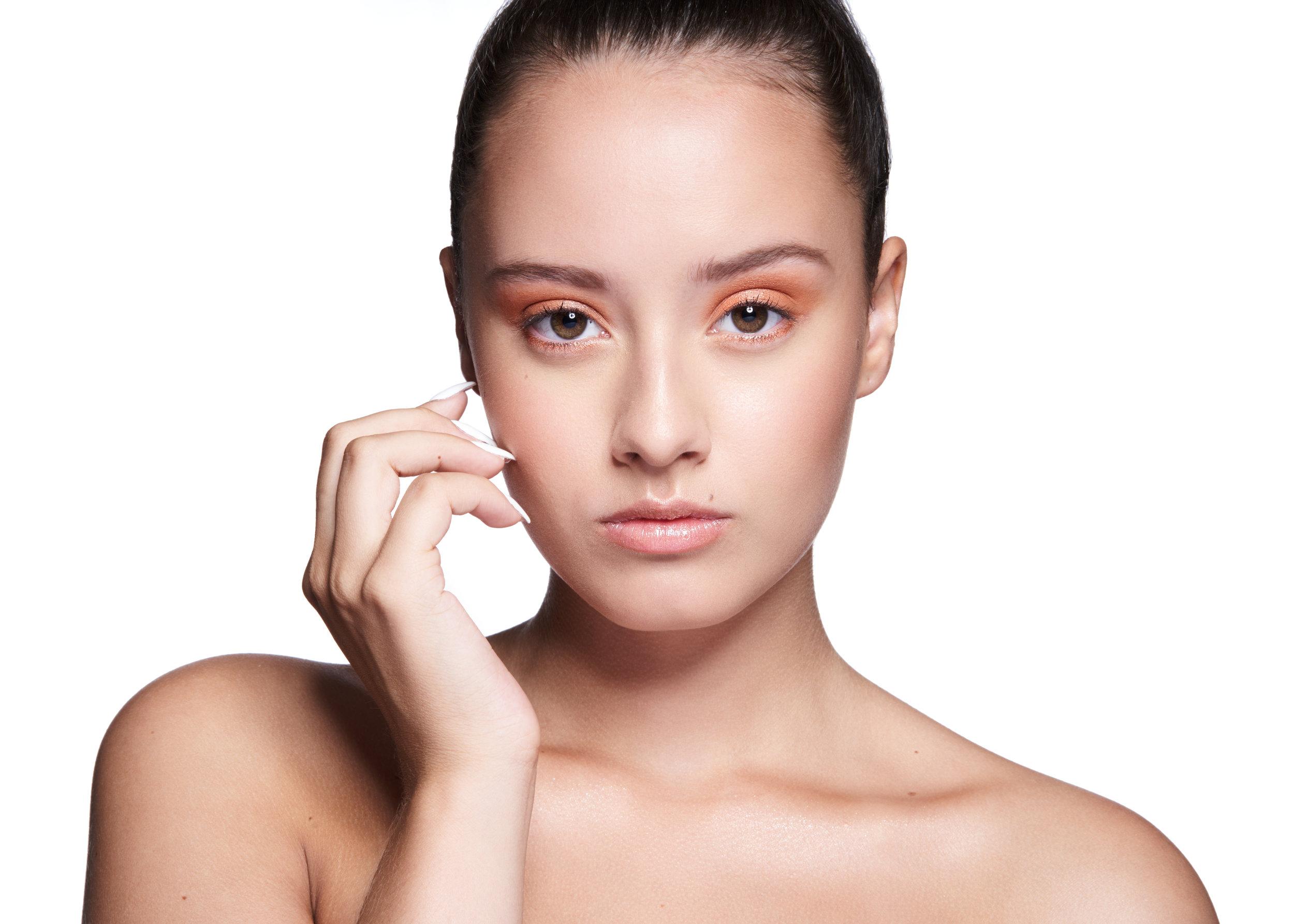 Model: Sarah M. MUA: Poudre et Paillettes