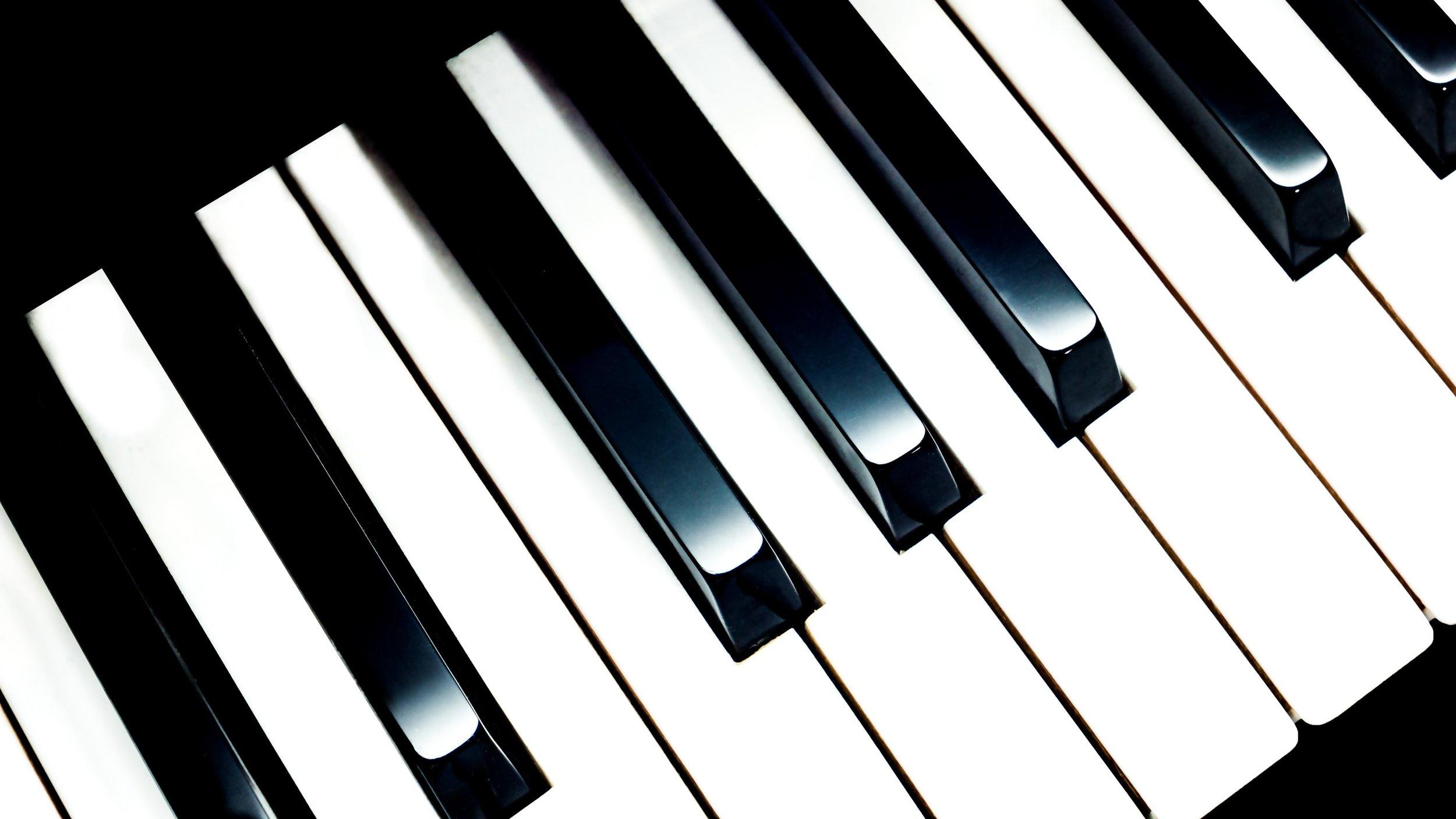 black-and-white-chord-classic-164935.jpg