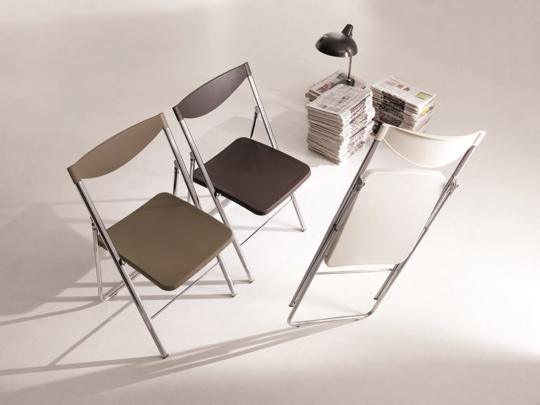 sedie-pieghevoli-design-sedia-pieghevole-nobys-ozzio-italia-ndash-pozzoli-living-moving-1092x819.jpg