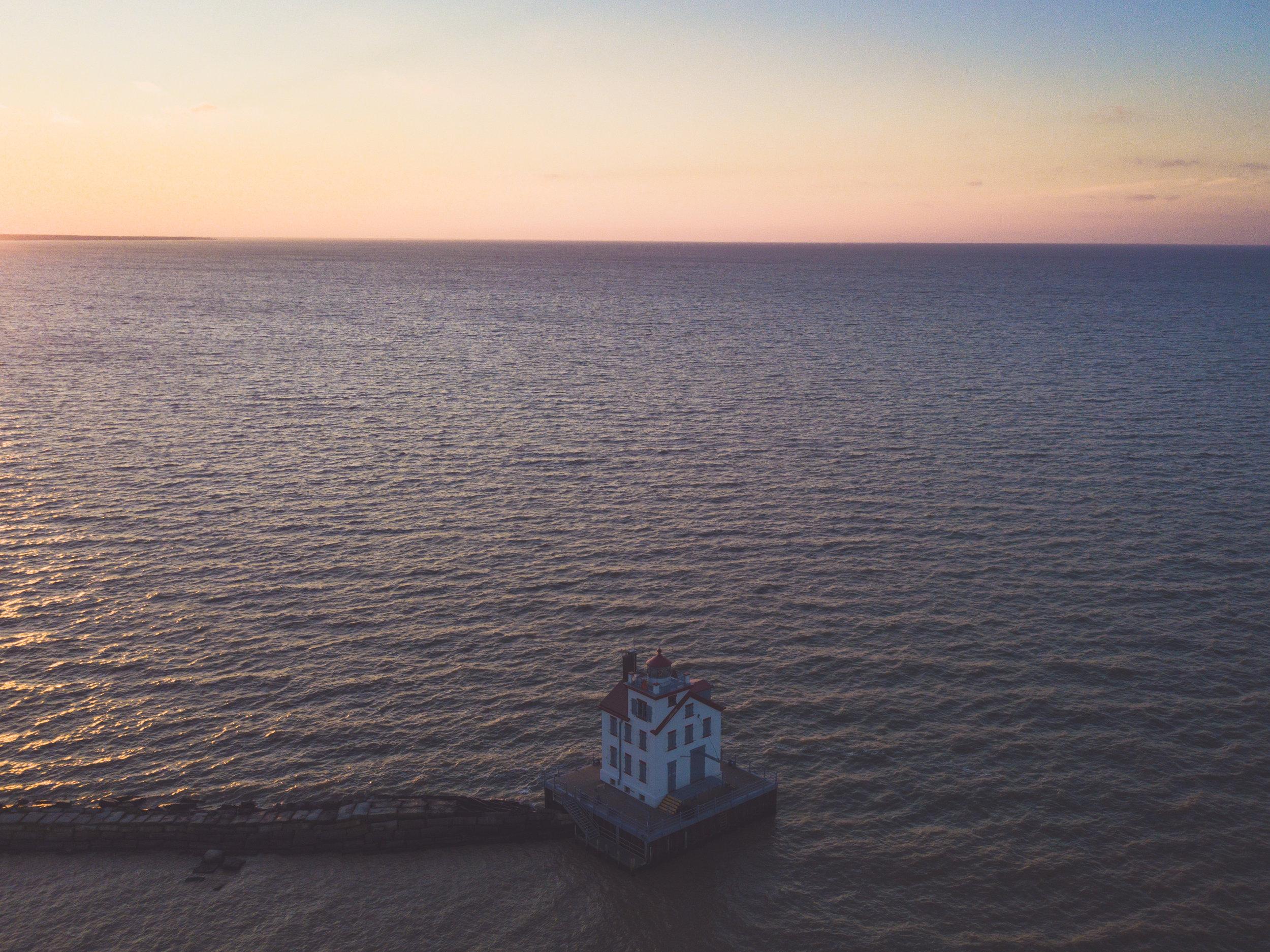 lorain_lighthouse-002.jpg