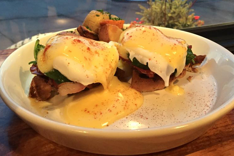 Eggs Benedict waffles. Photo provided by L'Etoile Du Nord.