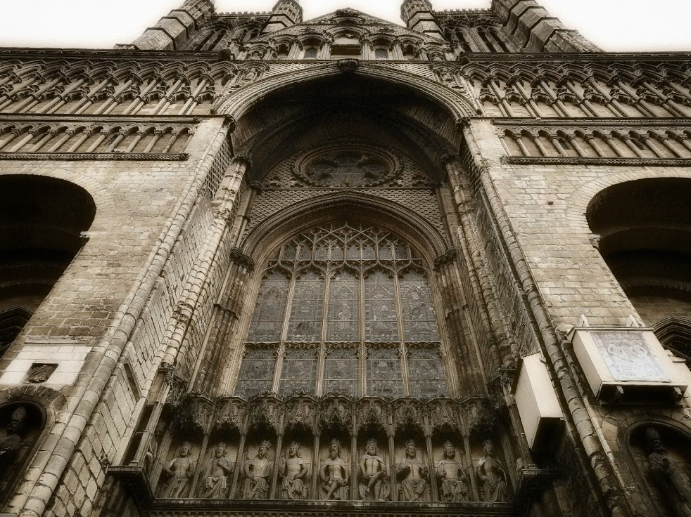 West-front-lincoln-cathedral01.jpeg