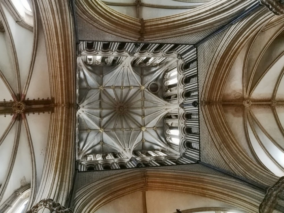Looking up to the ceiling of the central tower. The geometry evident everywhere is staggering.