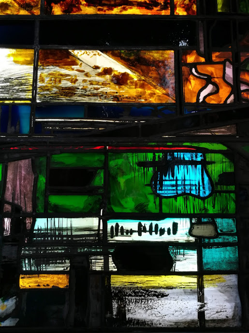 A detail of a John Piper window in the Stained Glass Museum, Ely Cathedral. John PIper is my second favourite stained glass artist…x